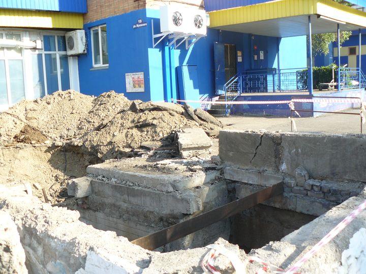 Ремонт теплотрассы по улице Жуковского.