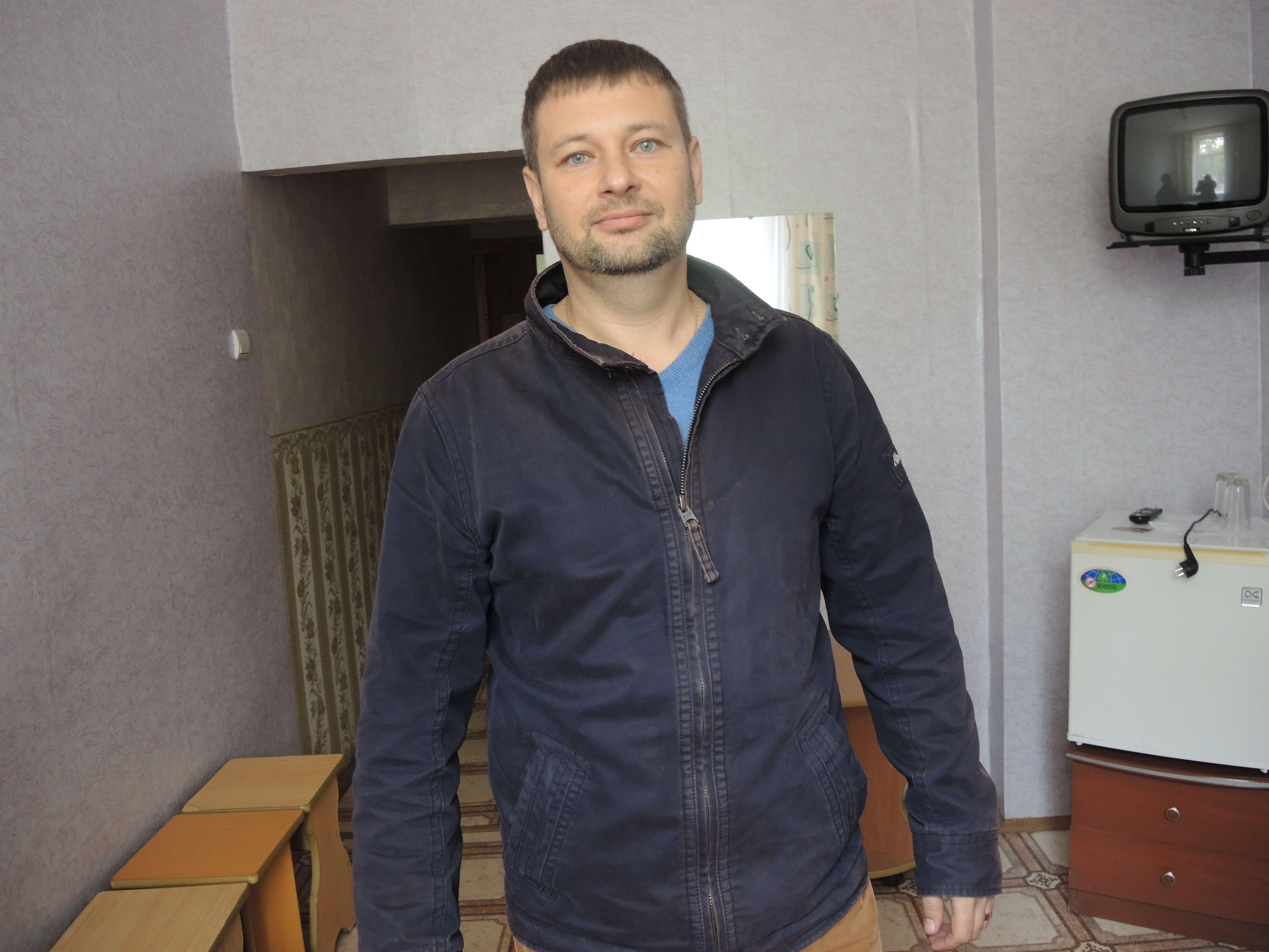 Замдиректора пансионата Алексей Оводенко.