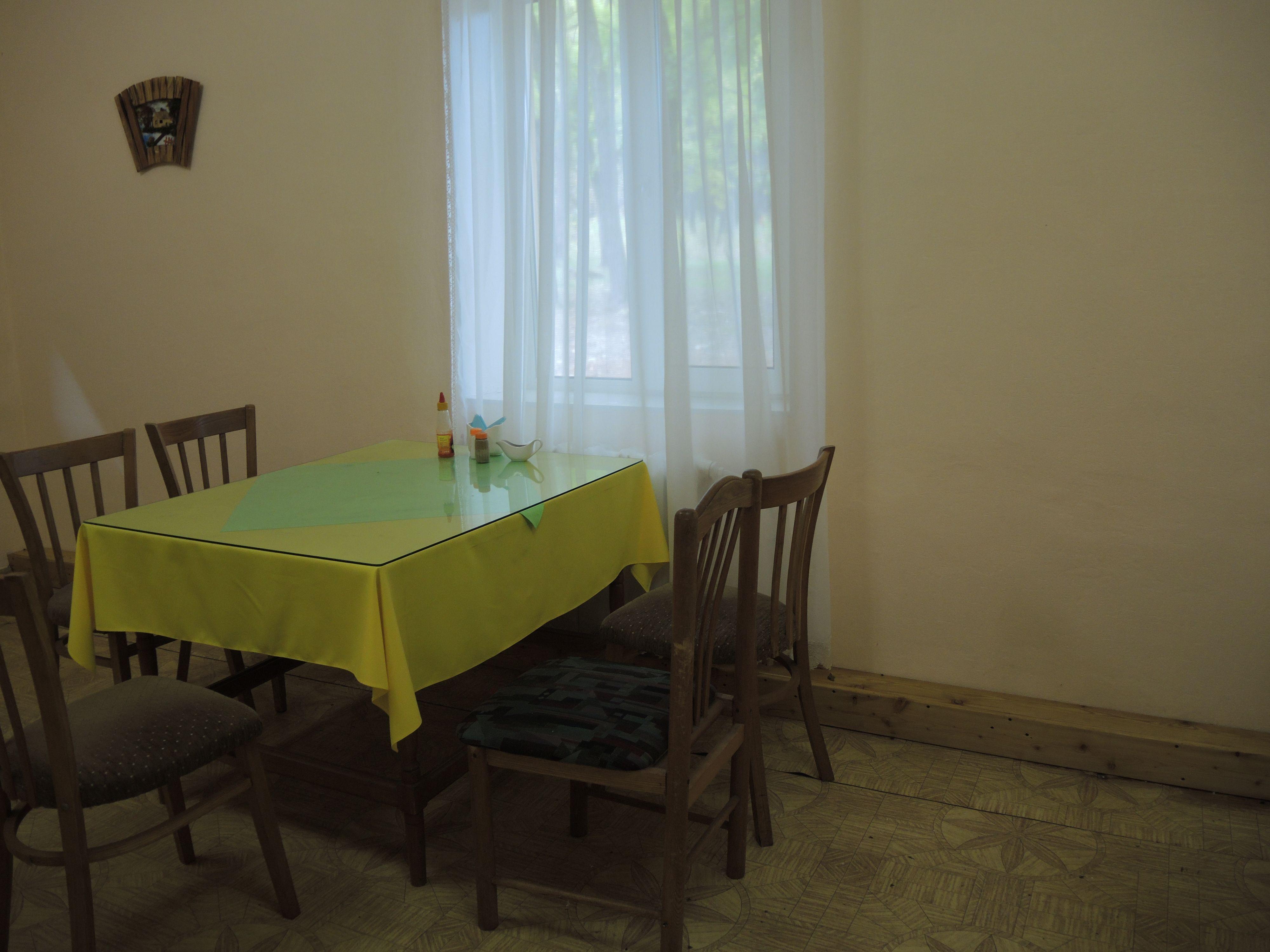 Отремонтированная столовая.