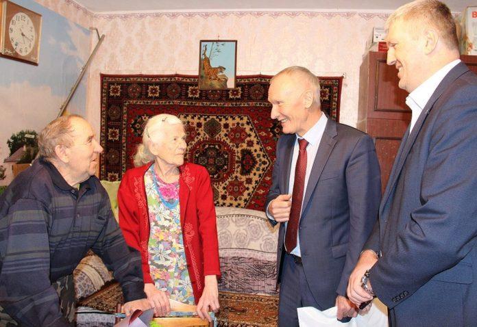 Пивень и Денисенко в гостях у ветерана