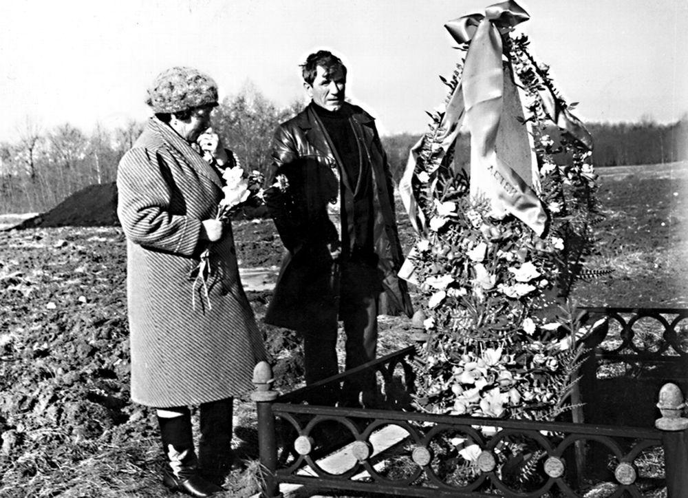 Братская могила Митрофанова