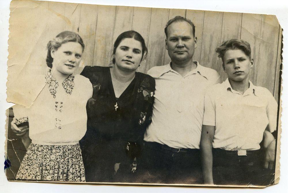 Семья Аникиных