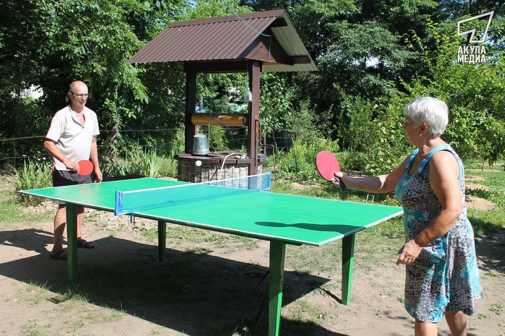 Теннисный стол у Бондарей